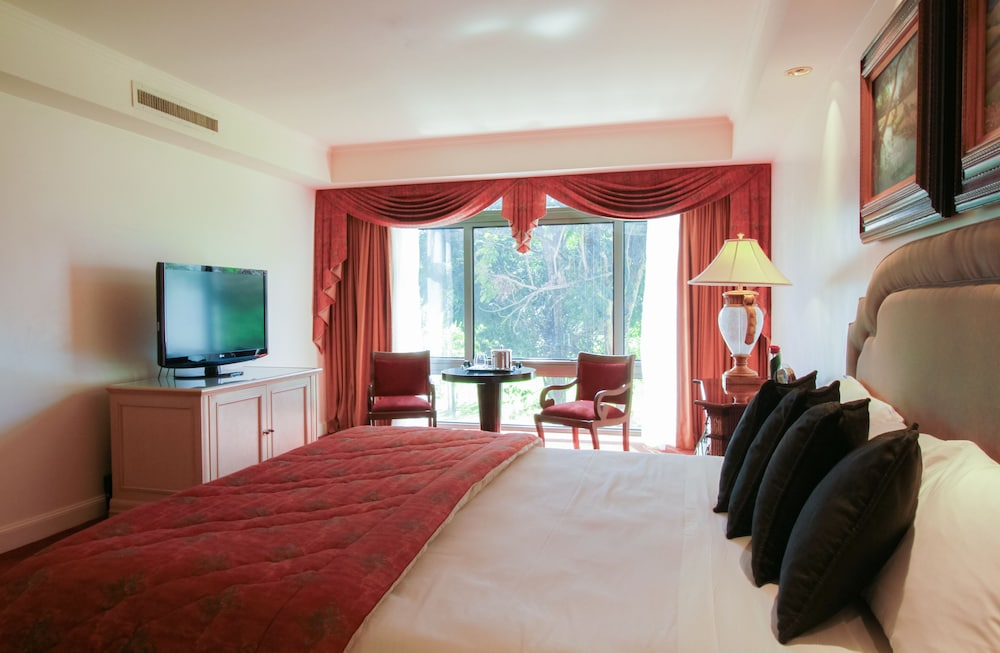 https://i.travelapi.com/hotels/1000000/980000/979400/979370/c6e6e460_z.jpg