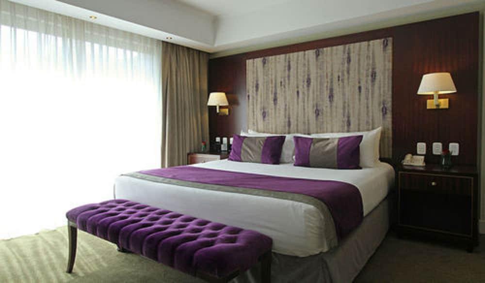 https://i.travelapi.com/hotels/1000000/980000/979400/979370/fbf04920_z.jpg