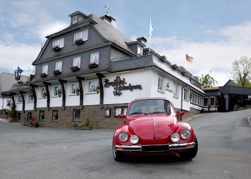 . Romantik Berghotel Astenkrone
