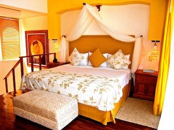 Honeymoon Studio Suite
