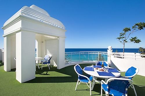 Burleigh Mediterranean Resort, Burleigh Heads