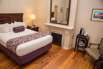 Room, 1 Queen Bed (Interior Queen)