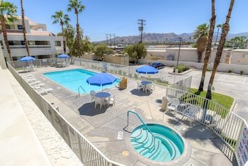 Motel 6 Palm Springs Downtown - Pool  - #0