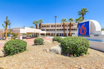 Hotel - Motel 6 Palm Springs Downtown