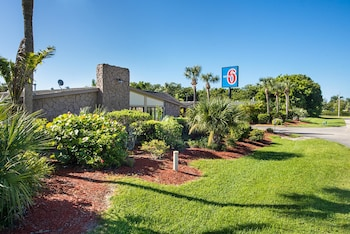 Hotel - Motel 6 North Fort Myers