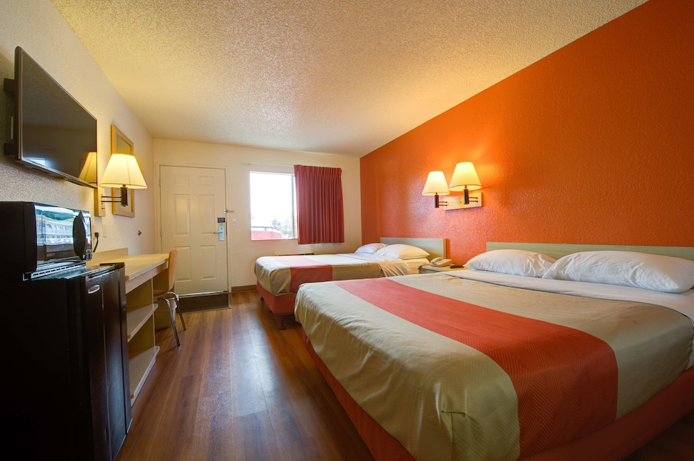 Premium Room, 2 Queen Beds, Non Smoking, Refrigerator & Microwave