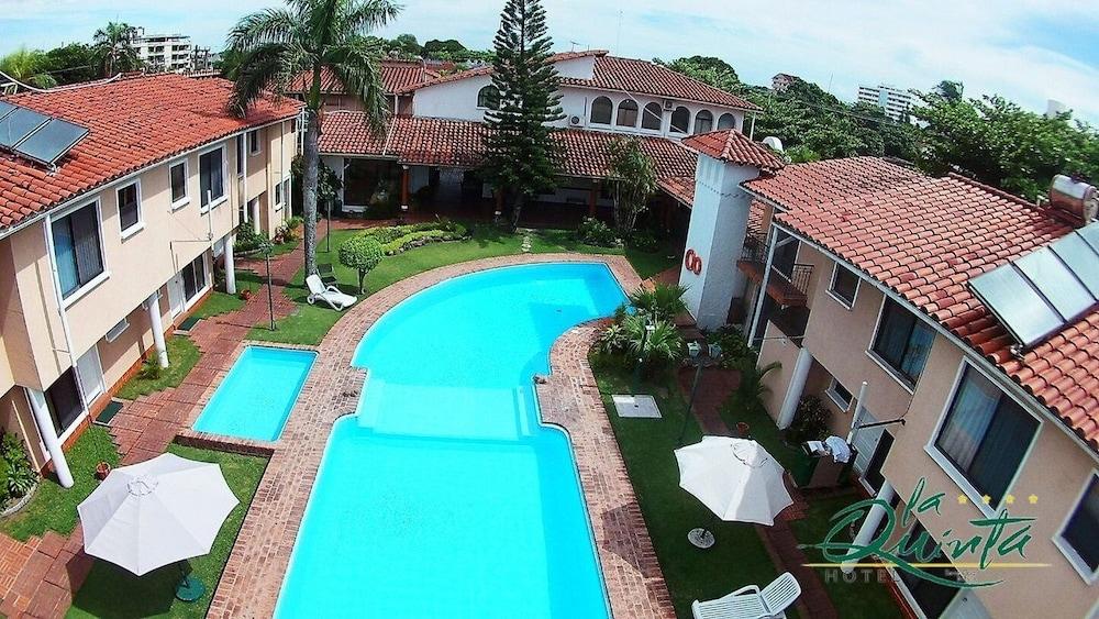 https://i.travelapi.com/hotels/1000000/990000/981100/981024/a3c84211_z.jpg