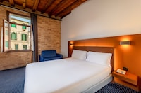 Deluxe Double or Twin Room, Canal View