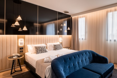 . Aemilia Hotel Bologna