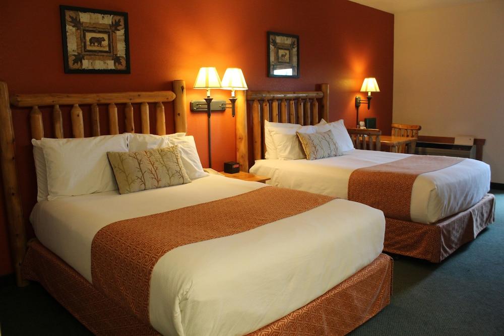https://i.travelapi.com/hotels/1000000/990000/982500/982420/38aaa04e_z.jpg
