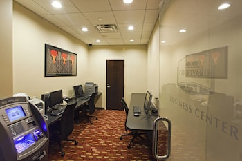 Business Center at Courtyard by Marriott Chicago Magnificent Mile in Chicago