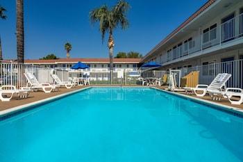 加利福尼亞塞普爾韋達 - 洛杉磯 - 凡奈斯 - 北山 6 號汽車旅館 Motel 6 Sepulveda, CA - Los Angeles - Van Nuys - North Hills