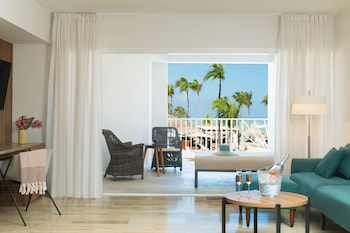 Excellence Club Honeymoon Suite Ocean View + Free On-site Covid-19 Test