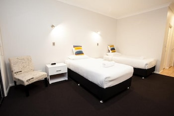 Guestroom at Springwood Motor Inn in Springwood