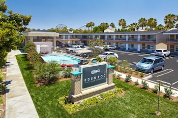 Hotel - Eden Roc Inn & Suites
