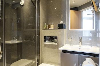ザ フォックス & グース ホテル