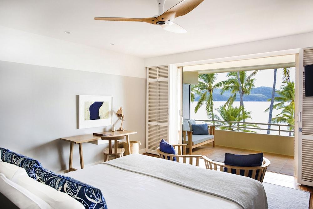 https://i.travelapi.com/hotels/1000000/990000/984700/984689/32fbc88c_z.jpg