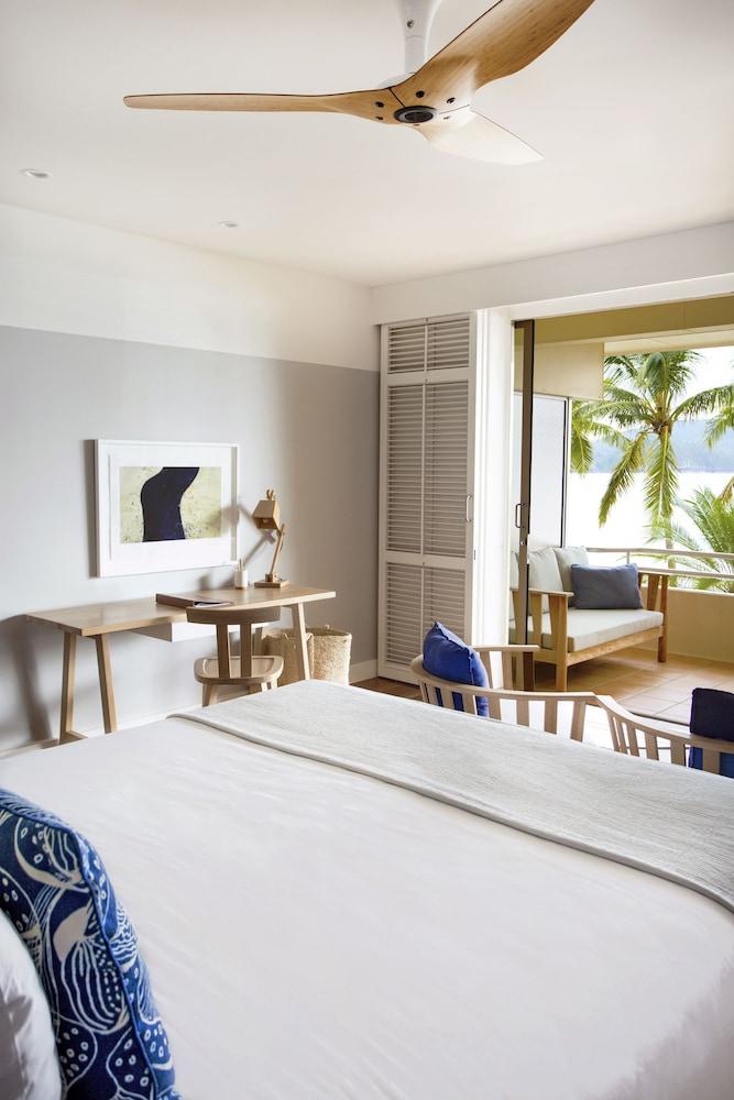 https://i.travelapi.com/hotels/1000000/990000/984700/984689/efd9be39_z.jpg
