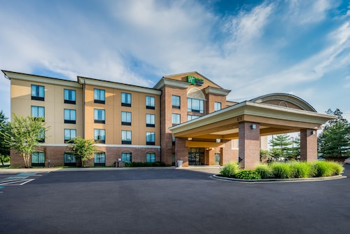 Holiday Inn Express North East, Cecil