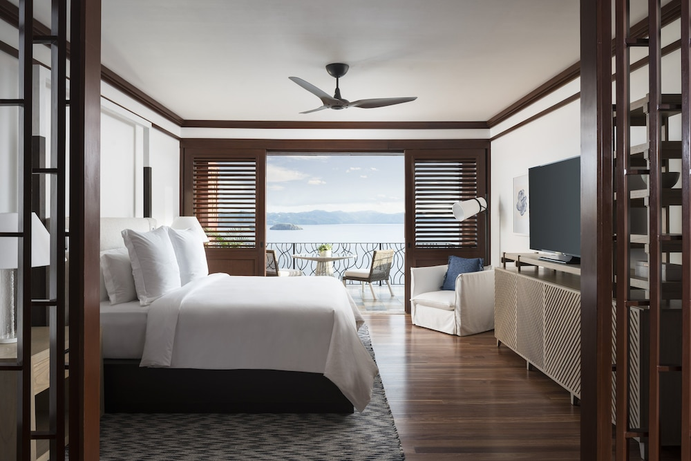 https://i.travelapi.com/hotels/1000000/990000/985000/984916/a0ed1f26_z.jpg