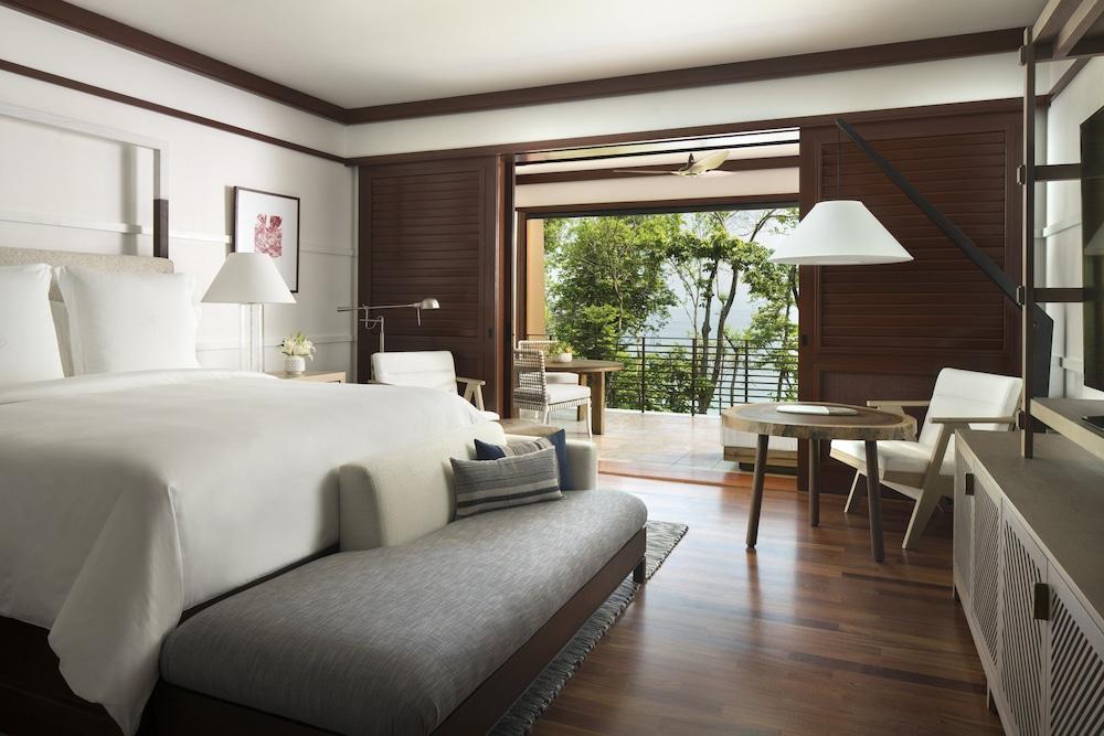 https://i.travelapi.com/hotels/1000000/990000/985000/984916/f275b39d_z.jpg