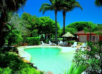 Hotel - Forresters Beach Resort