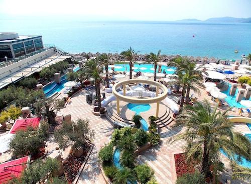 . Club Hotel Casino Loutraki