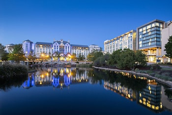 Hotel - Gaylord Texan Resort & Convention Center