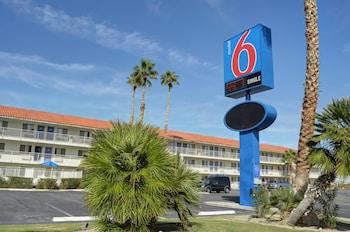 加利福尼亞二十九棕櫚村 6 號汽車旅館 Motel 6 Twentynine Palms, CA