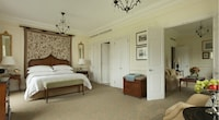 Belvedere Suite with one king bed