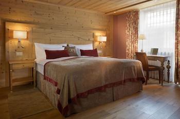 Chalet Classic Double Room, Matterhorn View