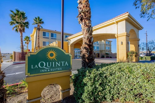 . La Quinta Inn & Suites by Wyndham Hesperia Victorville