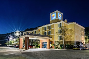 Chattanooga Vacations - Comfort Inn & Suites Lookout Mountain - Property Image 1