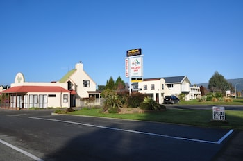 The Village Inn Hotel Te Anau