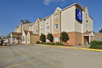 Hotel - Americas Best Value Inn & Suites Lake Charles at I-210 Exit 5