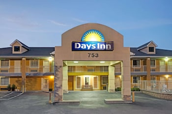 Hotel - Days Inn by Wyndham Marietta White Water