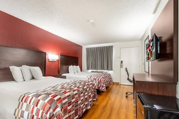 Deluxe Room, 2 Double Beds (Roll-In Shower)