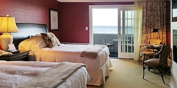 Oceanfront Double (Oceanview, Balcony)