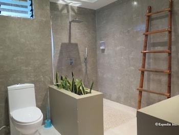 Villa Kasadya Bohol Bathroom