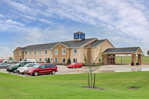 . Cobblestone Hotel & Suites - Waynesboro