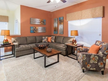 5 Bedroom Town-home with Private Pool 8969AL