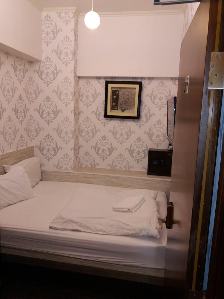 ライ レイ ホテル