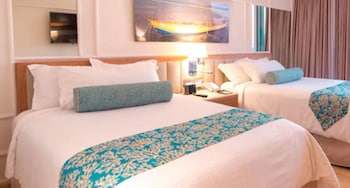Deluxe Resort View, 2 Double Beds, Flex cancellation options