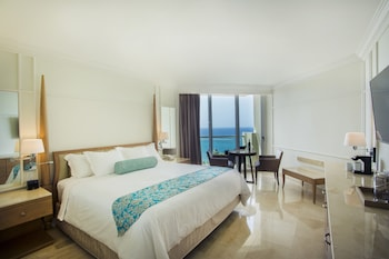 Deluxe Resort Ocean View with King Bed- FLEX CANCELLATION,Up to US$1500 Resort Credit