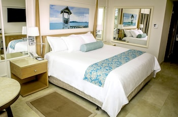Deluxe Resort View, 1 King Bed- FLEX CANCELLATION,Up to US$1500 Resort Credit