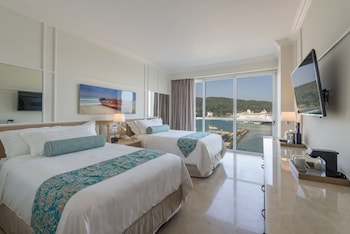 Superior Deluxe Ocean View with balcony, Kids & Teens Free + Flex cancellation options