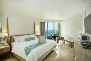 Deluxe Resort Ocean View with King Bed, Flex cancellation options