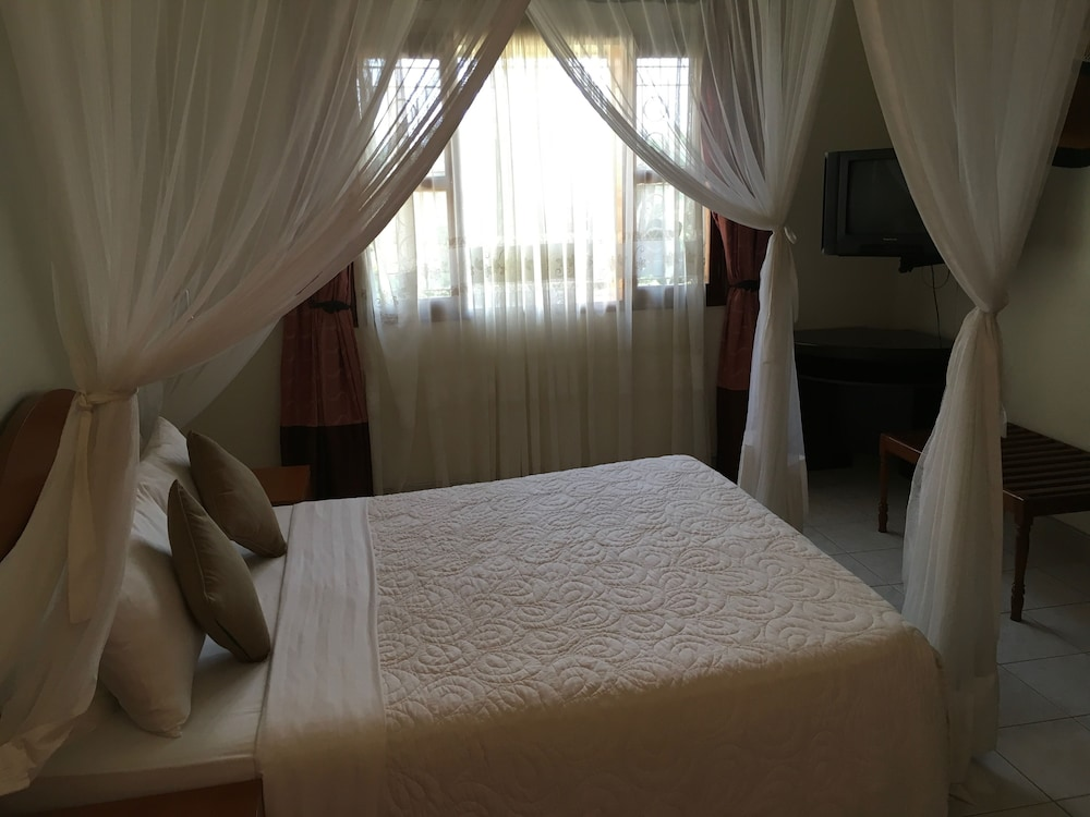 Suite : Standard Room, 1 Bedroom, Ensuite, Garden View 26 of 142
