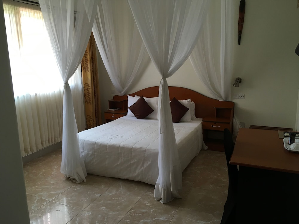 Suite : Standard Room, 1 Bedroom, Ensuite, Garden View 19 of 142