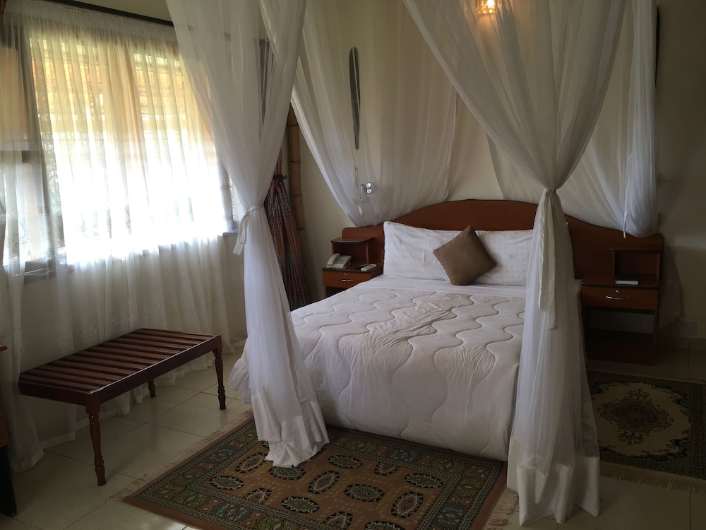 Suite : Standard Room, 1 Bedroom, Ensuite, Garden View 20 of 142